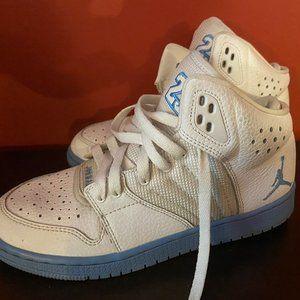 Nike Boy's Jordan Flight Basketball Sneakers 4.5Y